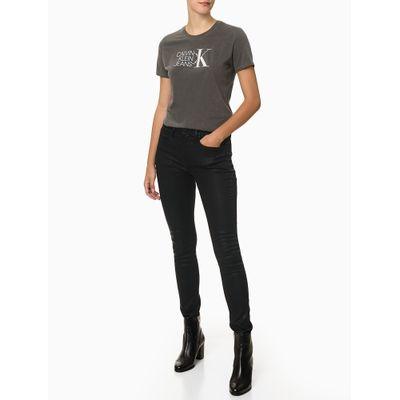 Camiseta Feminina Logo Furta-cor Preta Calvin Klein Jeans